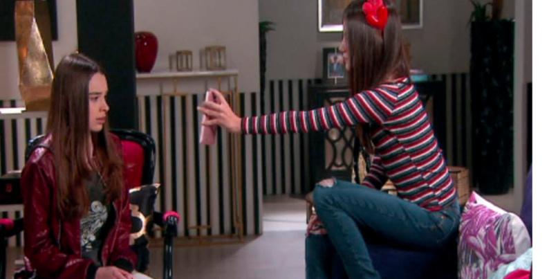 As Aventuras de Poliana Filipa mostra Guilherme beijando Brenda para Raquel cap 123