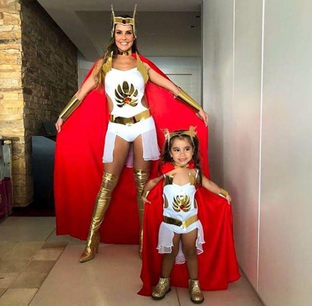 Deborah Secco e Maria flor de She Ra