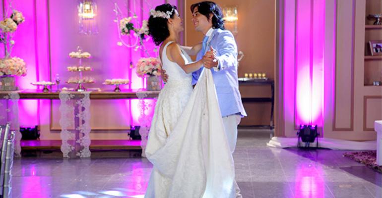 CHIQUITITAS Carol e Junior dançam a valsa (1)